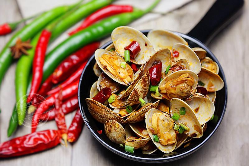 chili clams.jpg